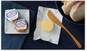 Tout le caractère du savoir-faire Lescure dans deux mini-mottes de beurre